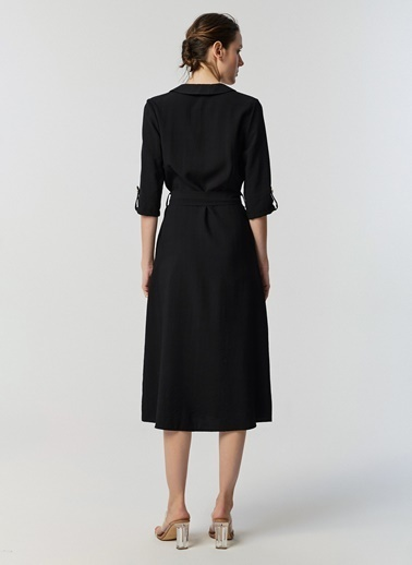 Monamoda V Bebe Yaka Metal Düğmeli Elbise Siyah